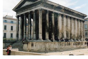 Maisson Carrree Nimes Roman temple
