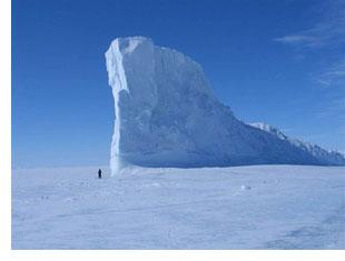 iceberg in pond inlet nunavut
